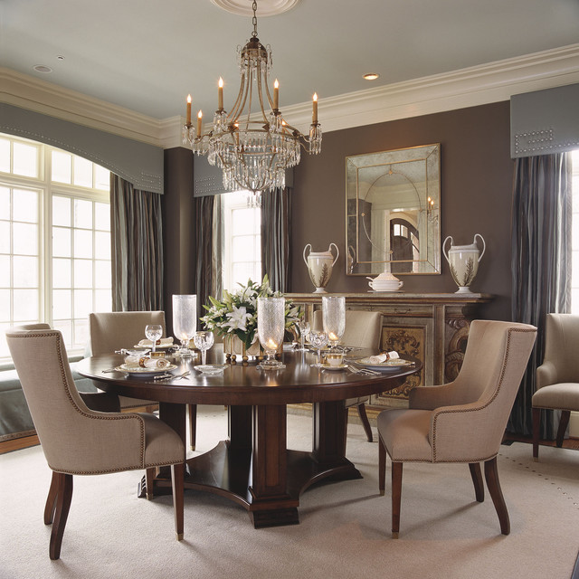 23 Dining Room Chandelier Designs Decorating Ideas: Decora Una Sala Y Comedor Reducida Con Un Estilo Clásico